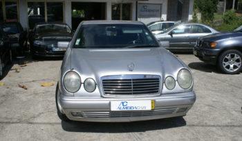 Mercedes Benz E 290 Diesel Classic cheio