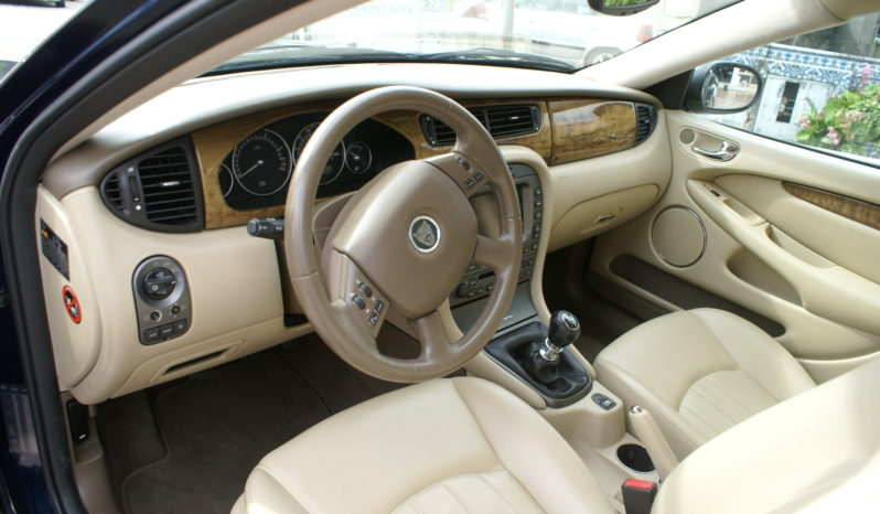 Jaguar X-Type 2.0 D Executive cheio