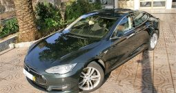 Tesla Model S85 iva dedutivel